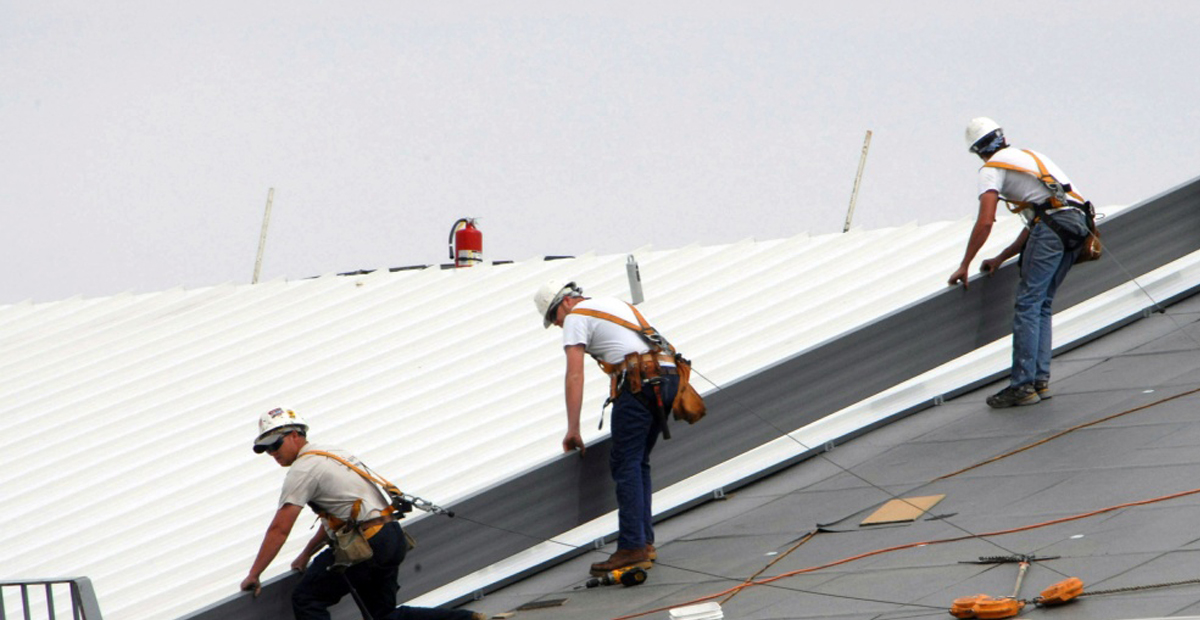 Top Advantages of Hiring an Experienced and Professional Roofing Contractor